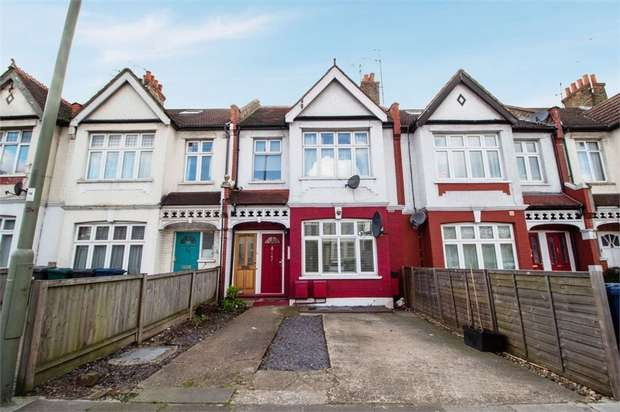 4 Bedrooms Flat for sale in Colney Hatch Lane, London