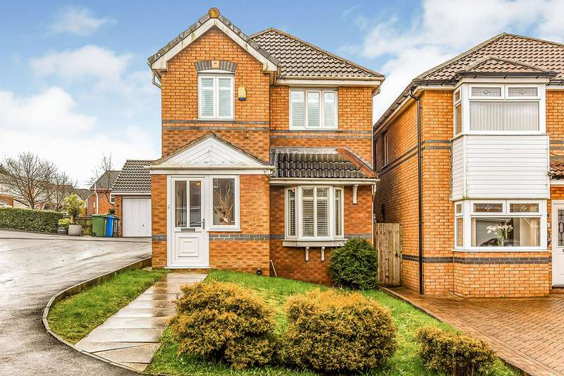 3 Bedrooms Detached House for sale in Oakley Drive, Oldham, Greater Manchester, OL1