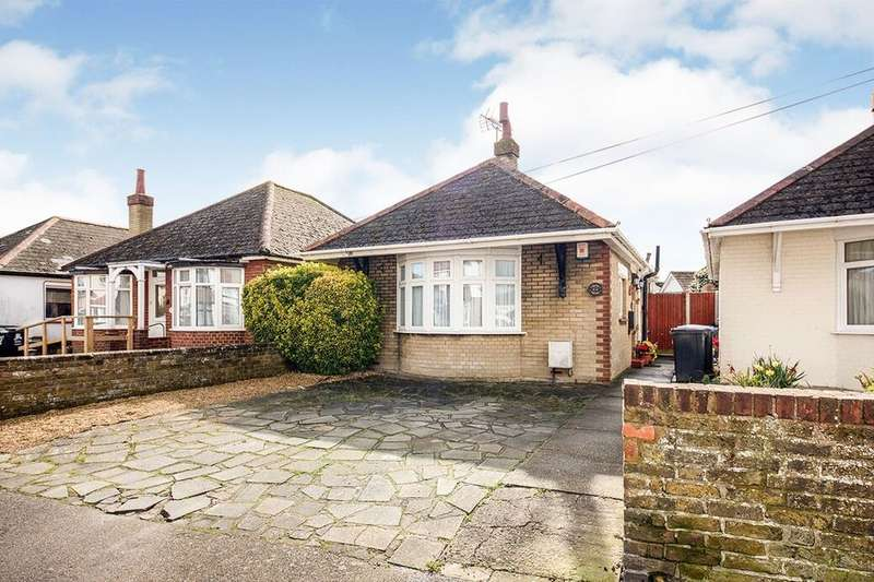 3 Bedrooms Detached Bungalow for sale in Ashburnham Road, Ramsgate, CT11