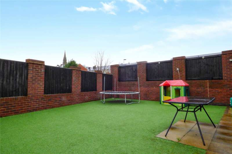 4 Bedrooms Detached House for sale in Trub Road, Castleton, Rochdale, Greater Manchester, OL11