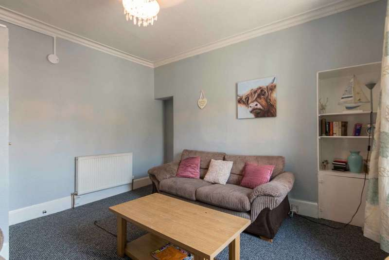 3 Bedrooms Flat for sale in George Street, Aberdeen, AB25 3XL