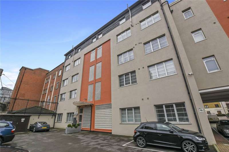 2 Bedrooms Flat for sale in Sunlight Square, Bethnal Green