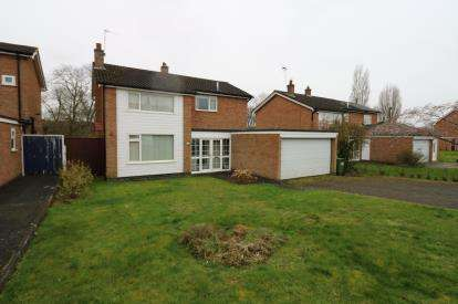 4 Bedrooms Detached House for sale in Windrush Drive, Oadby, Leicester, Leicestershire