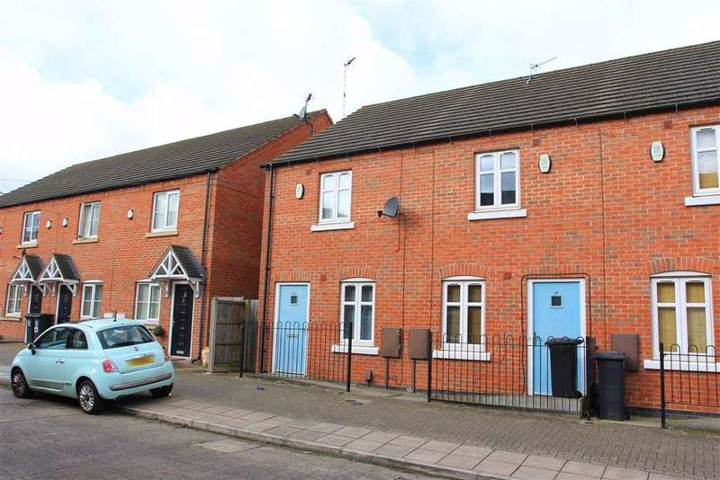 2 Bedrooms Terraced House for sale in Percy Road, Aylestone, Leicester
