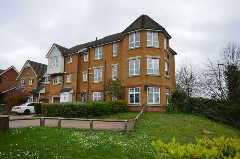 2 Bedrooms House for sale in Greenhaven Drive, Thamesmead