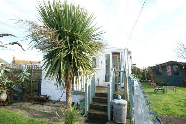1 Bedroom Mobile Home for sale in Birdham Road, Hayling Island, Hampshire