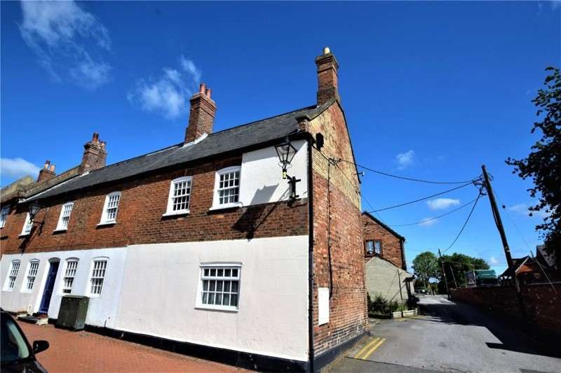 2 Bedrooms Property for sale in West Street, Horncastle, Lincolnshire, LN9 5AD
