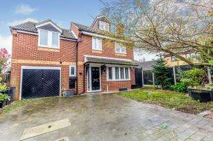 5 Bedrooms Detached House for sale in Beauvoir Drive, Kemsley, Sittingbourne, Kent
