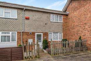 2 Bedrooms Terraced House for sale in Doria Drive, Gravesend, Kent, England