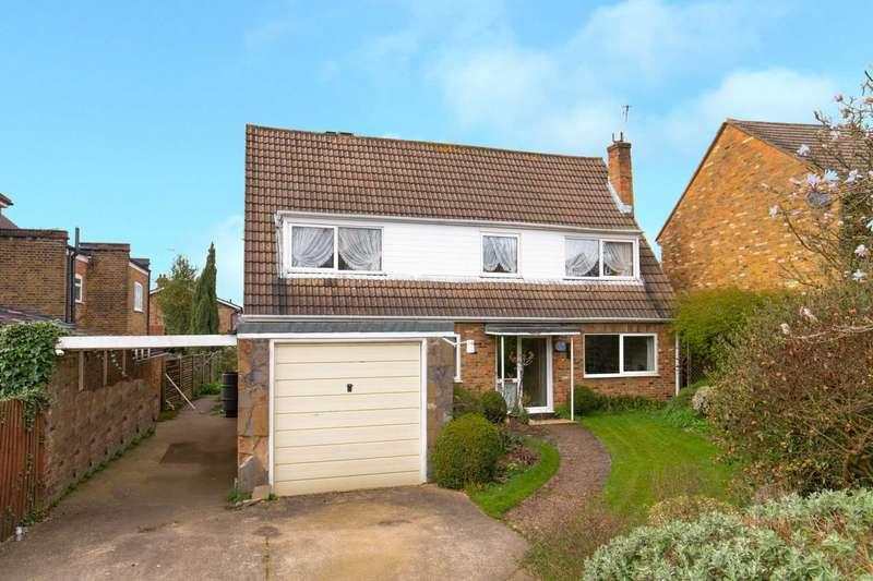 3 Bedrooms Detached House for sale in Grange Road, Bushey