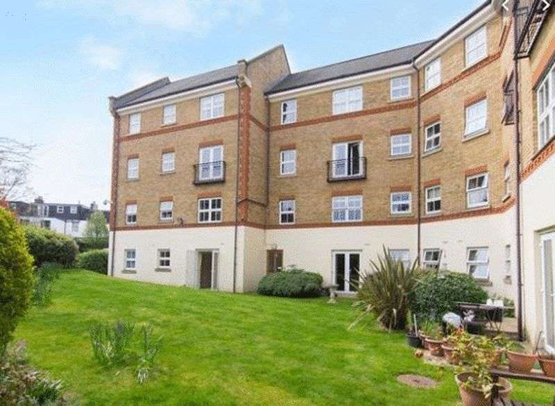 1 Bedroom Property for sale in Pegasus Court, London, W3 6PT: ** CLOSE TO TOWN CENTRE- MUST BE VIEWED**