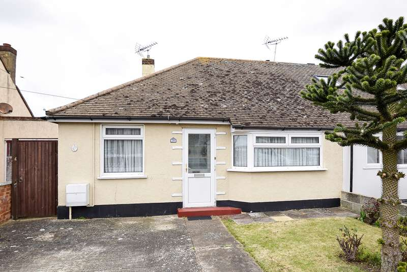 2 Bedrooms Semi Detached Bungalow for sale in The Grove, Herne Bay