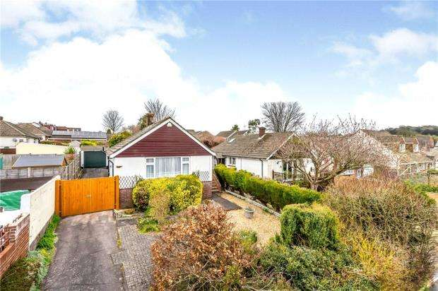 3 Bedrooms Detached Bungalow for sale in St. Michaels Way, Waterlooville, Hampshire