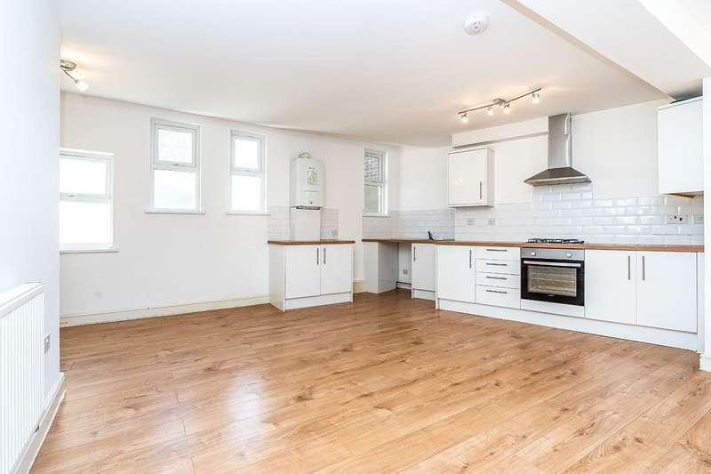 2 Bedrooms Apartment Flat for sale in Balmoral Road, Gillingham, Kent, ME7