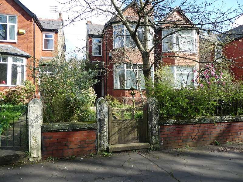 4 Bedrooms Semi Detached House for sale in Rufford Road, Whalley Range, Manchester. M16 8AE