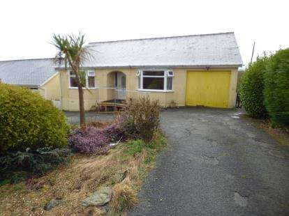 3 Bedrooms Bungalow for sale in Tyn Y Gongl, Benllech, Anglesey, North Wales, LL74