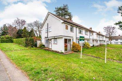 2 Bedrooms Maisonette Flat for sale in Thornhill Park Road, Southampton, Hampshire