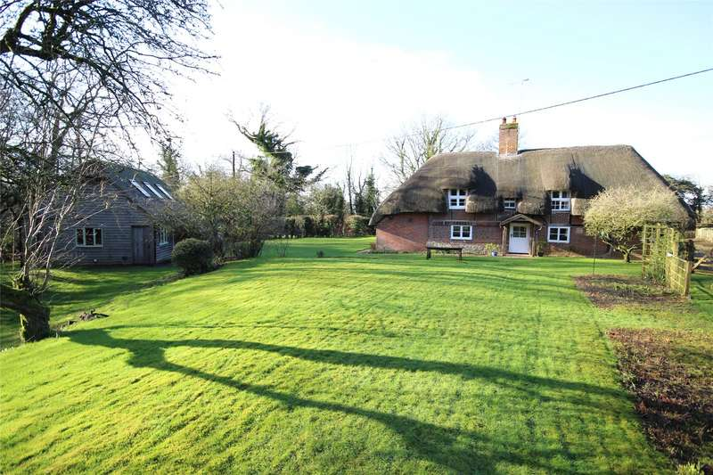 4 Bedrooms Detached House for sale in Headmore Lane, Four Marks, Alton, Hampshire, GU34
