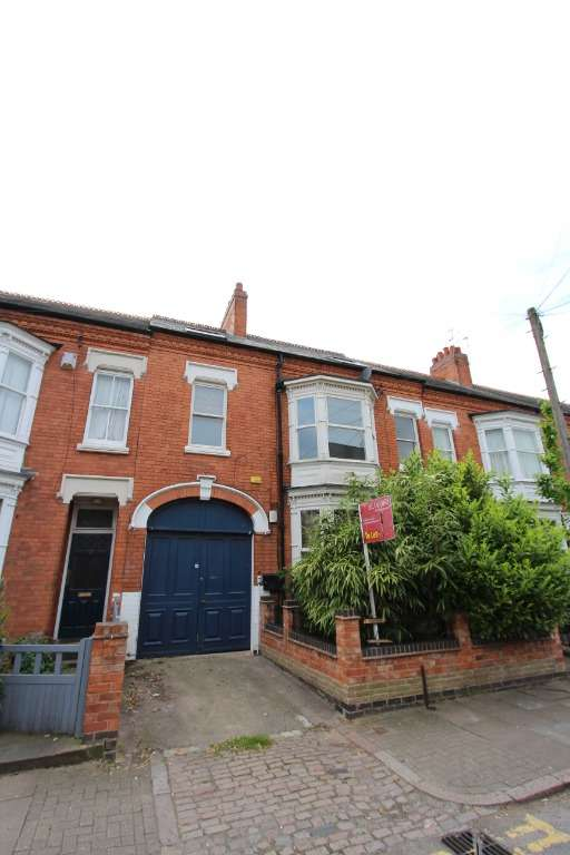 9 Bedrooms Block Of Apartments Flat for sale in Central Avenue, Clarendon Park, Leicester, LE2 1TB