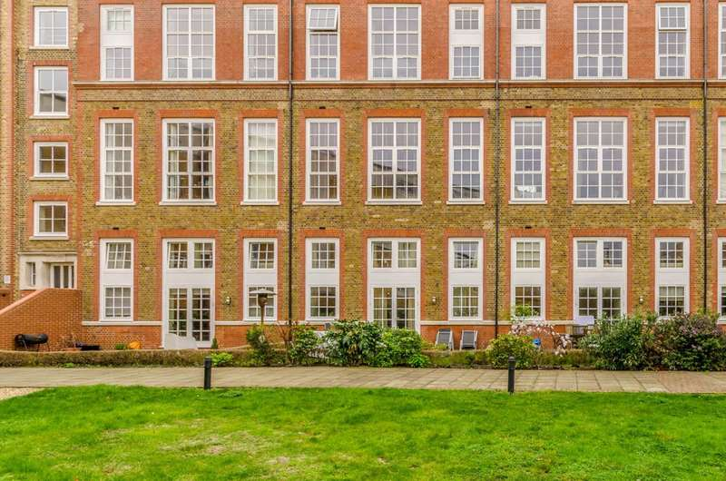 3 Bedrooms Flat for sale in Enfield Road, Islington, N1