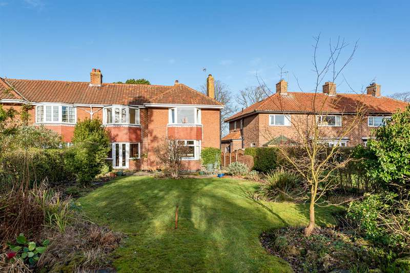 4 Bedrooms Semi Detached House for sale in 59 Middlecave Road, Malton, YO17 7NQ