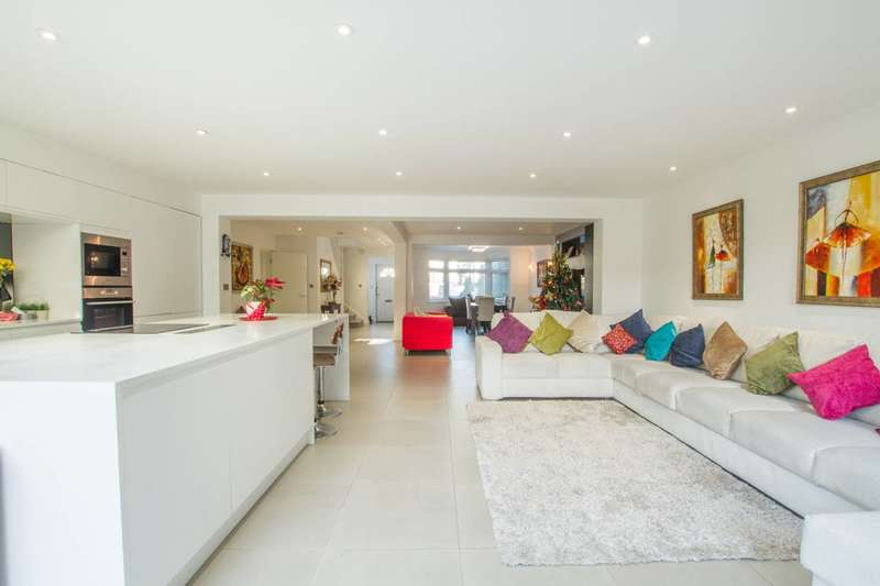 5 Bedrooms House for sale in The Vale, Cricklewood, NW11