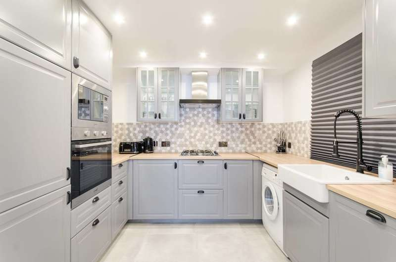 2 Bedrooms Flat for sale in Morshead Road, Maida Vale, W9