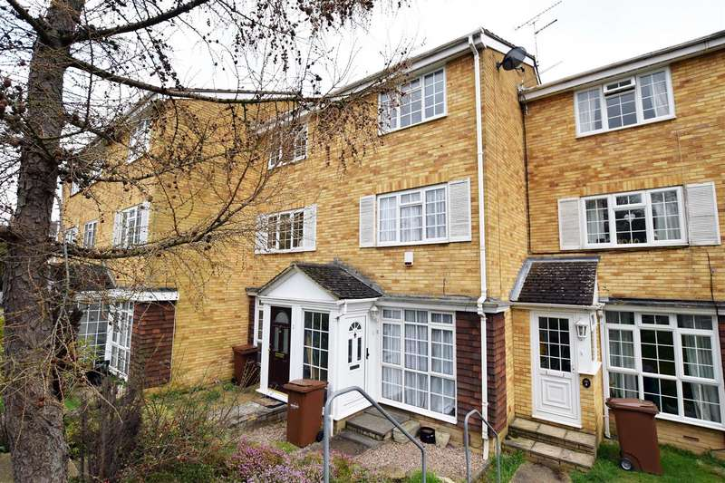 4 Bedrooms Town House for sale in Wheatcroft Grove, Gillingham