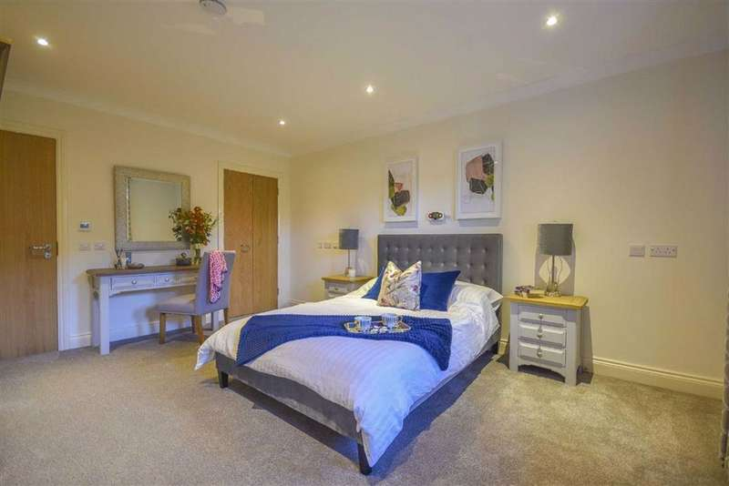1 Bedroom Property for sale in Drake Lane, Dursley, GL11