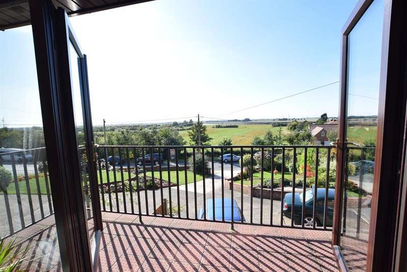 4 Bedrooms Detached House for sale in Stather Road, Burton-upon-Stather, Scunthorpe, DN15 9DH