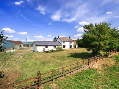 4 Bedrooms Property for sale in Llanharry