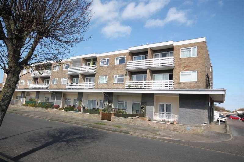2 Bedrooms Apartment Flat for sale in Maplin Court, Kings Avenue, Holland on Sea