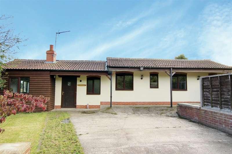2 Bedrooms Cottage House for sale in Rea Lane, Welton-Le-Marsh