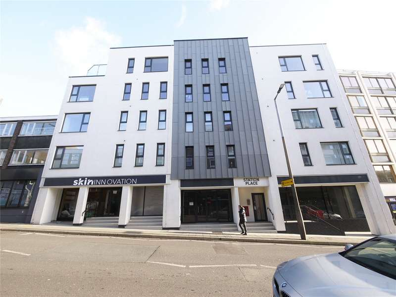 2 Bedrooms Apartment Flat for sale in Station Place, 114-118 Kings Road, Brentwood, Essex, CM14