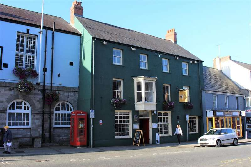 17 Bedrooms Property for sale in 13 Main Street, Pembroke