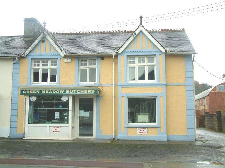 4 Bedrooms Commercial Property for sale in Market Square, Llanybydder