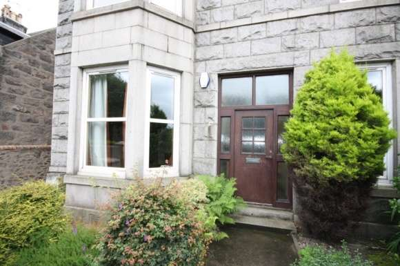 3 Bedrooms Flat for rent in King Street, Aberdeen, AB24