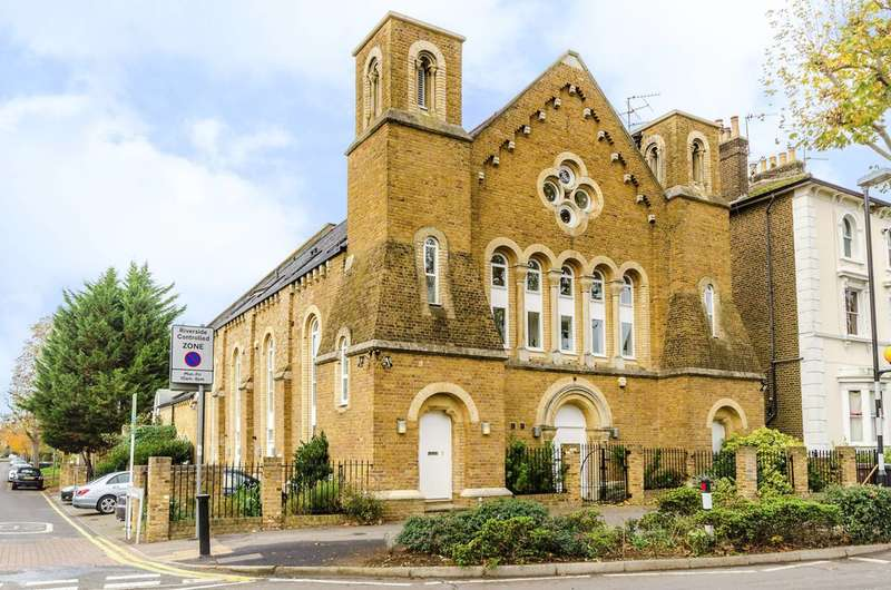 2 Bedrooms Flat for rent in Maple Road, Surbiton, KT6