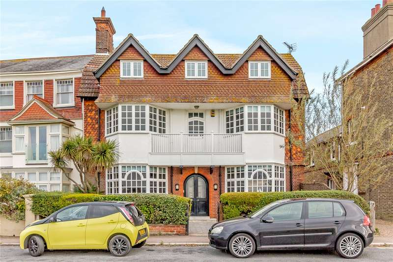 6 Bedrooms Detached House for sale in Godyll Road, Southwold, Suffolk, IP18