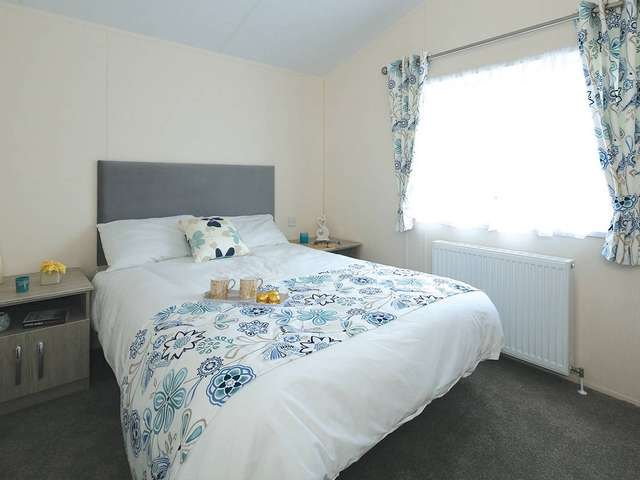 2 Bedrooms Lodge Character Property for sale in Dovercourt, Harwich