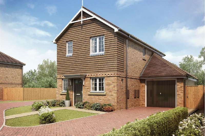 3 Bedrooms Detached House for sale in Shelvers Way, Tadworth