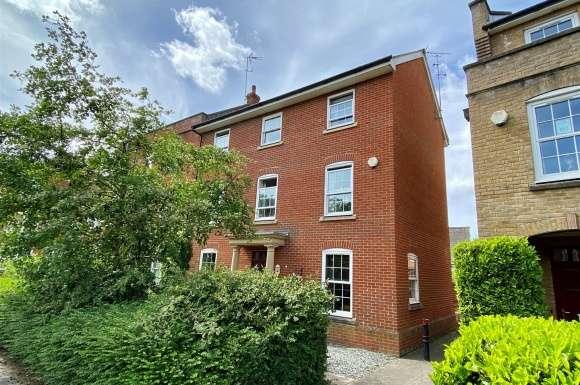 6 Bedrooms Detached House for sale in Gaiger Avenue, Sherfield-On-Loddon, Hook
