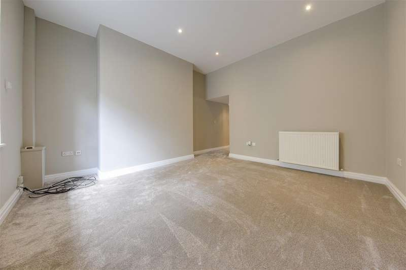 4 Bedrooms Terraced House for sale in Haslingden Road, Rawtenstall, Rossendale