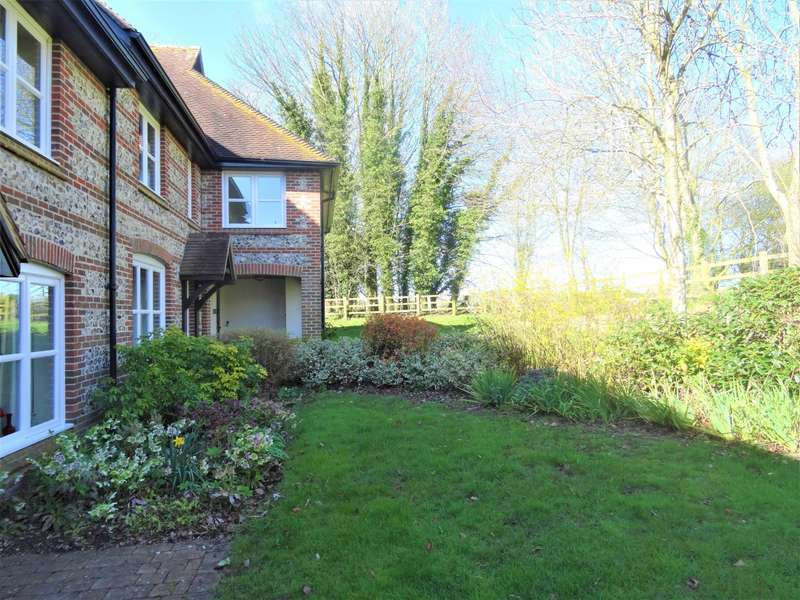2 Bedrooms Cottage House for sale in St. Peters Close, Goodworth Clatford