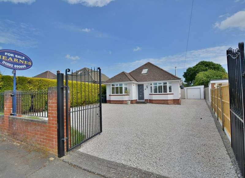 4 Bedrooms Detached House for sale in Clayford Avenue, Ferndown, Dorset, BH22 9PG