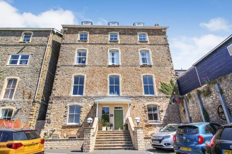 3 Bedrooms Flat for sale in Hill Road, Clevedon, BS21