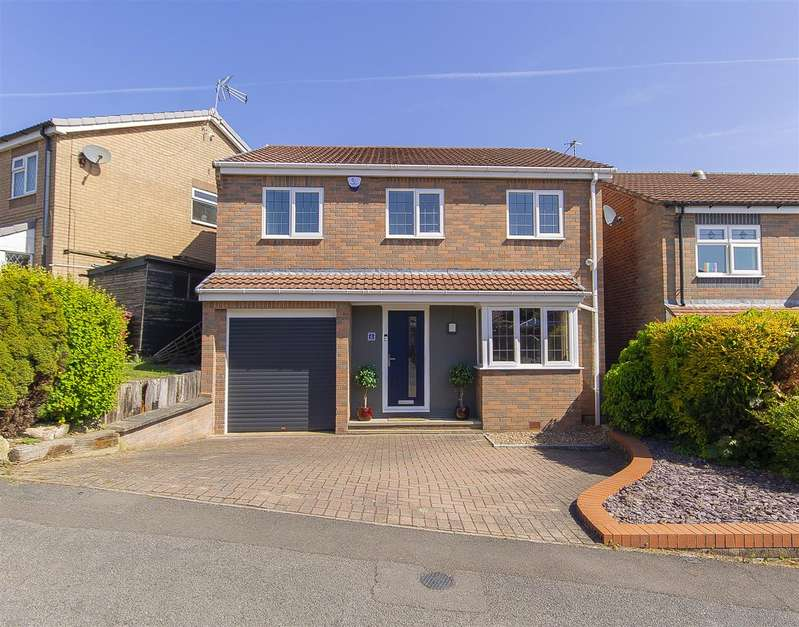 4 Bedrooms Detached House for sale in Longedge Rise, Wingerworth, Chesterfield