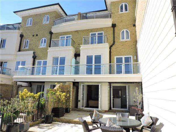 4 Bedrooms House for sale in Hamilton Quay, Sovereign Harbour North, Eastbourne