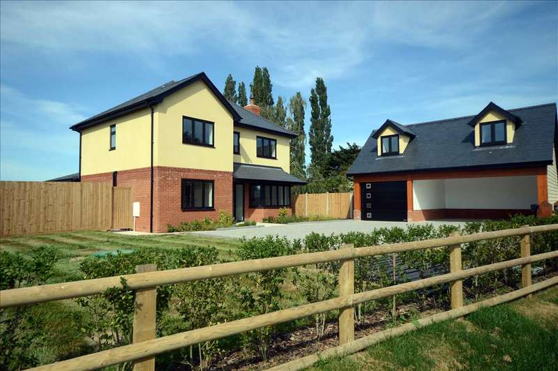 5 Bedrooms Detached House for sale in 'Riceen', Woodhall Hill, Chignal Smealey, Chelmsford
