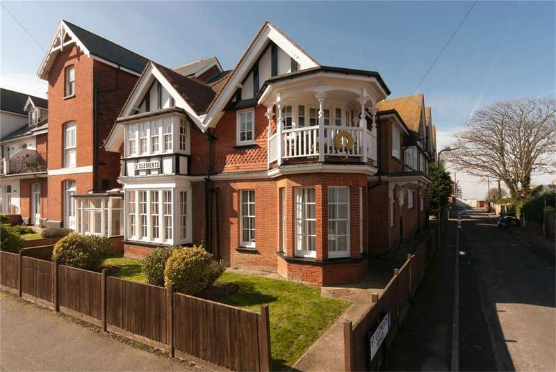 2 Bedrooms Maisonette Flat for sale in St Mildreds Road, WESTGATE-ON-SEA